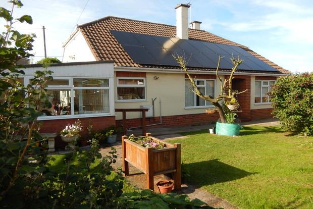 3 Bedrooms Bungalow for sale in Lumley Crescent, Skegness, PE25