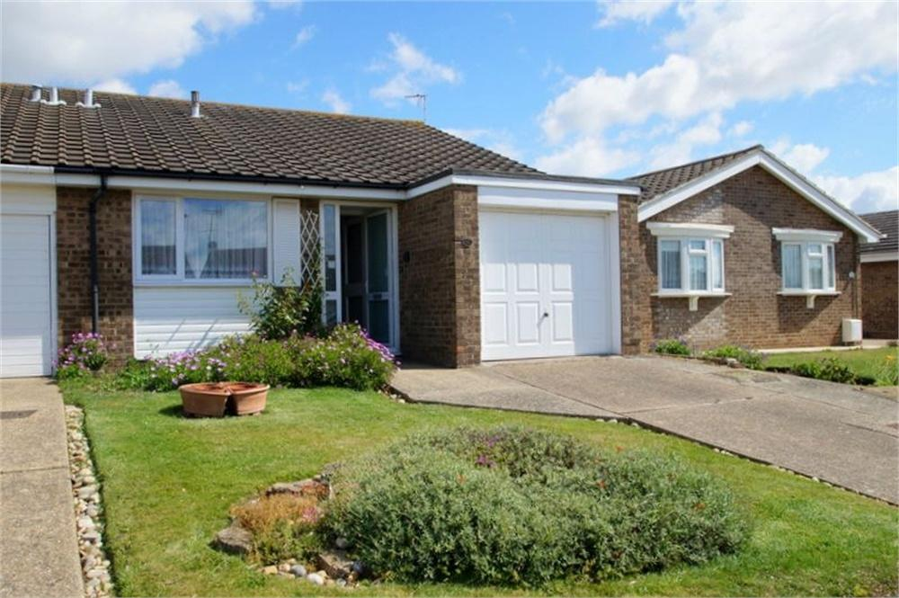 2 Bedrooms Semi Detached Bungalow for sale in Sycamore Way, Kirby Cross, FRINTON-ON-SEA, Essex
