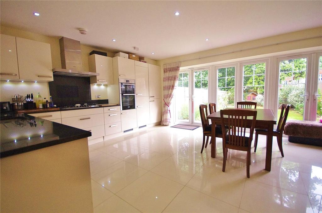 5 Bedrooms Terraced House for sale in Colnhurst Road, Watford, Hertfordshire, WD17