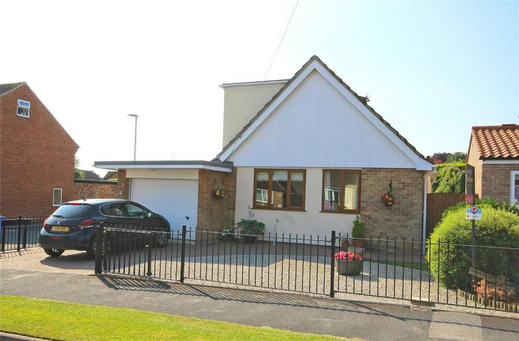 3 Bedrooms Detached Bungalow for sale in Molescroft Park, Beverley, East Riding of Yorkshire