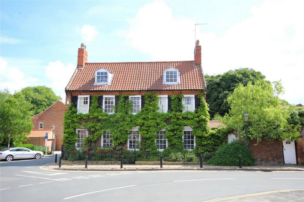 6 Bedrooms Detached House for sale in Newbegin,, Beverley, East Yorkshire