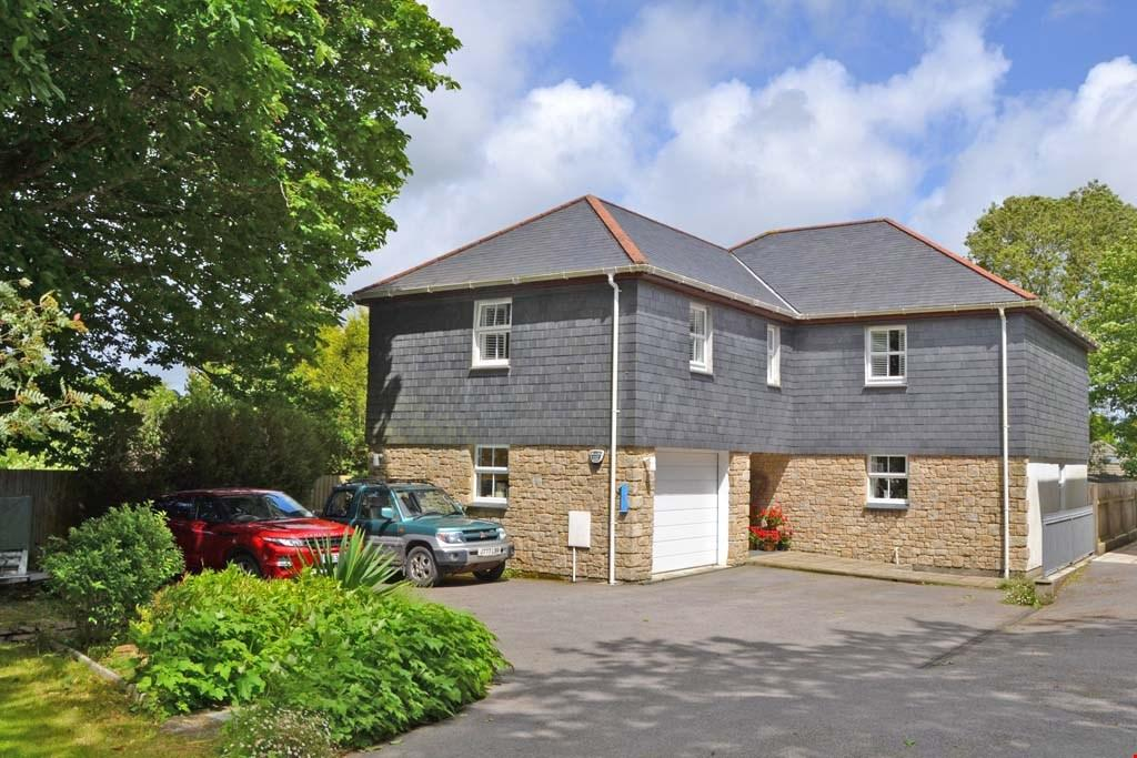 4 Bedrooms Detached House for sale in Lanner, Nr. Redruth, Cornwall, TR16