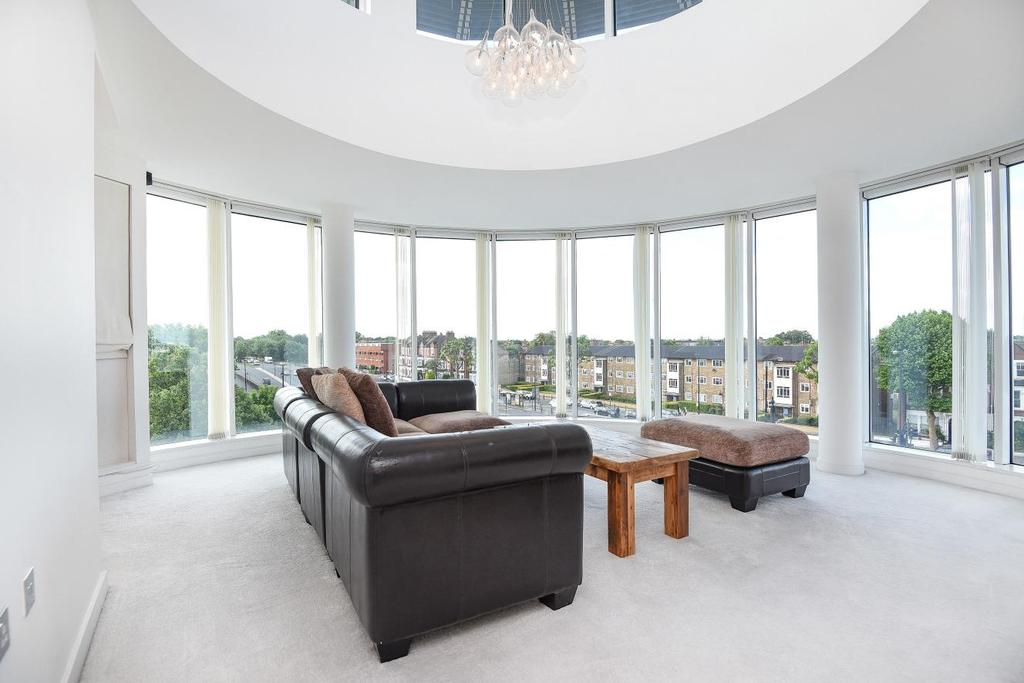 2 Bedrooms Flat for sale in North Side Wandsworth Common, Wandsworth, SW18