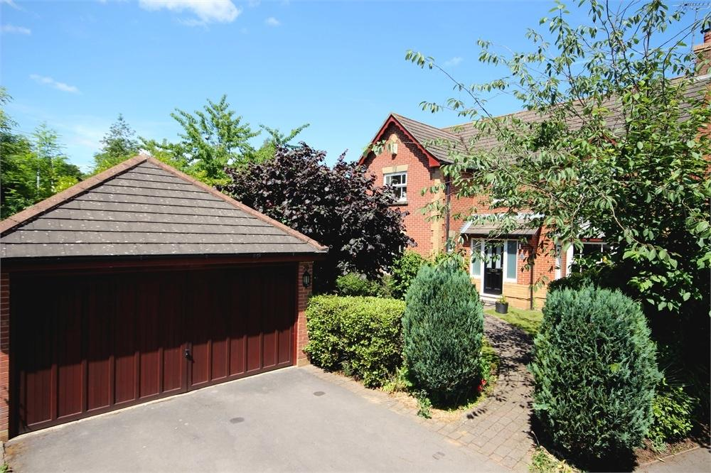 4 Bedrooms Detached House for sale in Thomas Drive, Warfield, Berkshire