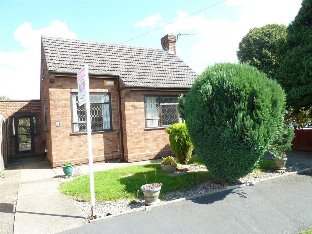 2 Bedrooms Detached Bungalow for sale in Church View, Waltham, Grimsby