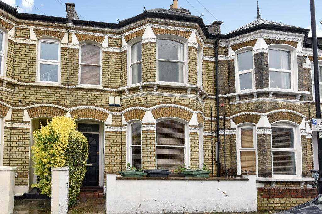 3 Bedrooms Flat for sale in Ballater Road, Brixton, SW2