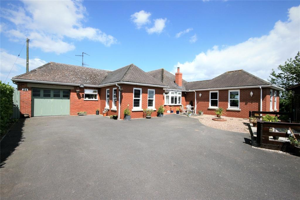 3 Bedrooms Detached Bungalow for sale in Main Road, Quadring, PE11