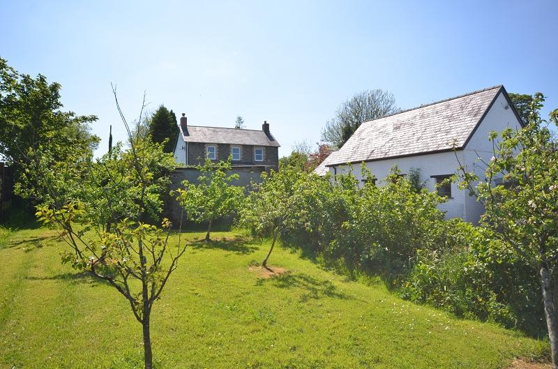 5 Bedrooms Land Commercial for sale in Llaingyfre , Pencader, Carmarthenshire. SA39 9DA