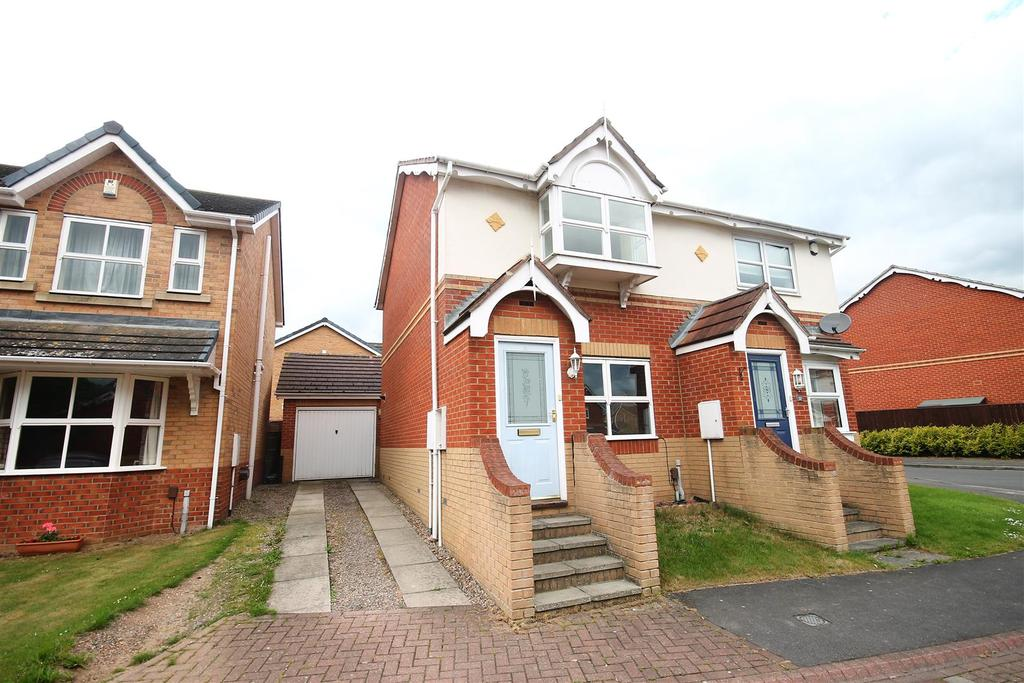 2 Bedrooms Semi Detached House for sale in Cennon Grove, Ingleby Barwick