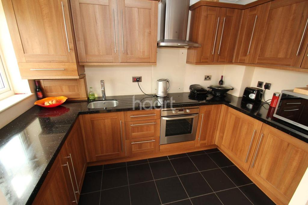 2 Bedrooms Semi Detached House for sale in Thorpehall Road, Edenthorpe