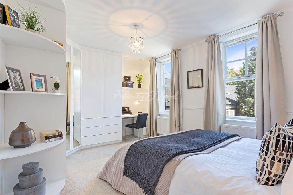 1 Bedroom Flat for sale in The Old Vicarage, Chiswick W4