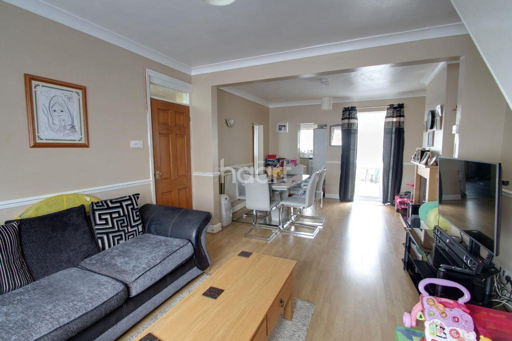 4 Bedrooms Terraced House for sale in Burleigh Road, Cheshunt, Waltham cross
