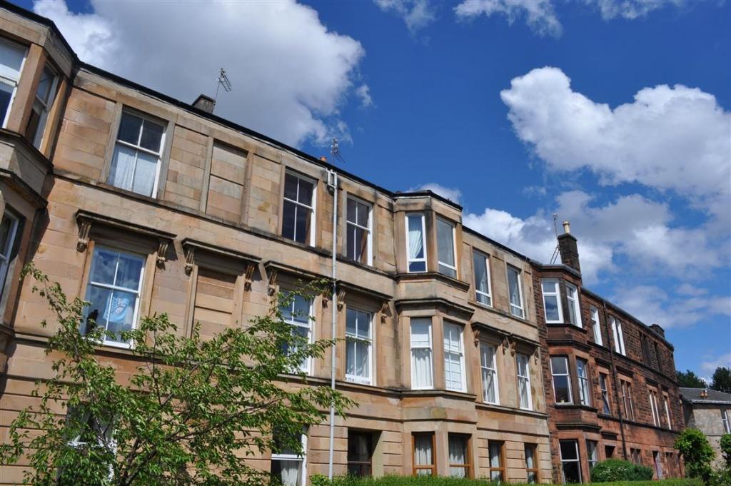 3 Bedrooms Flat for sale in 2/1, 9 Millbrae Crescent, Langside, G42 9UW