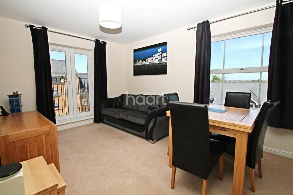 2 Bedrooms Flat for sale in Malyon Close, Braintree
