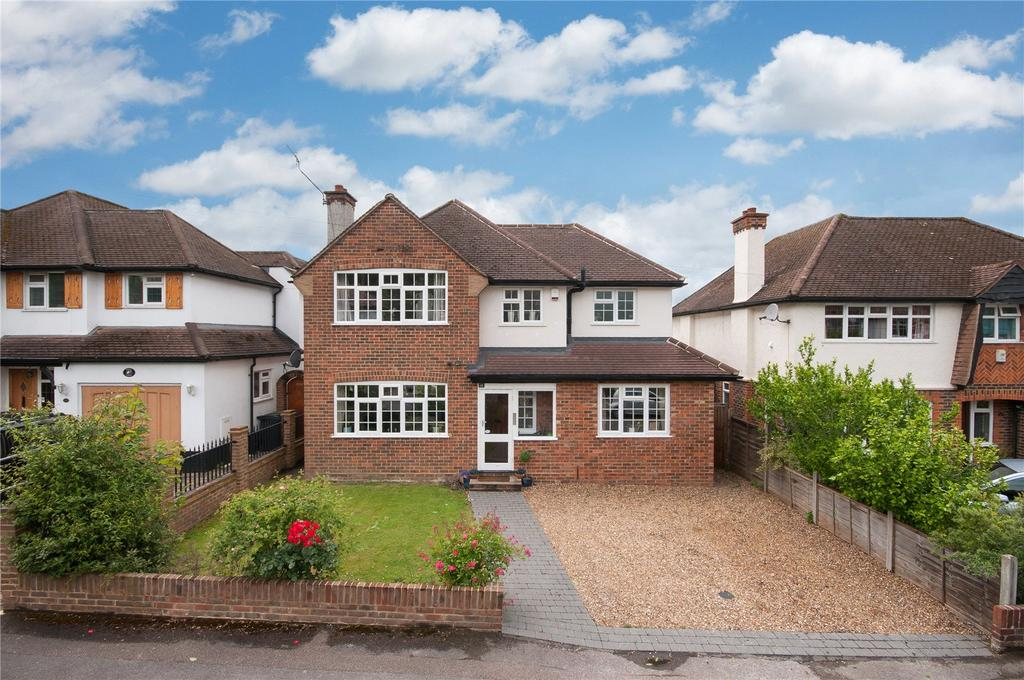 4 Bedrooms Detached House for sale in Melvinshaw, Leatherhead, Surrey, KT22