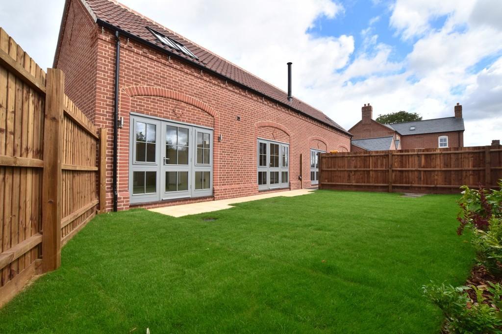 3 Bedrooms Link Detached House for sale in Hallfields, Dedham