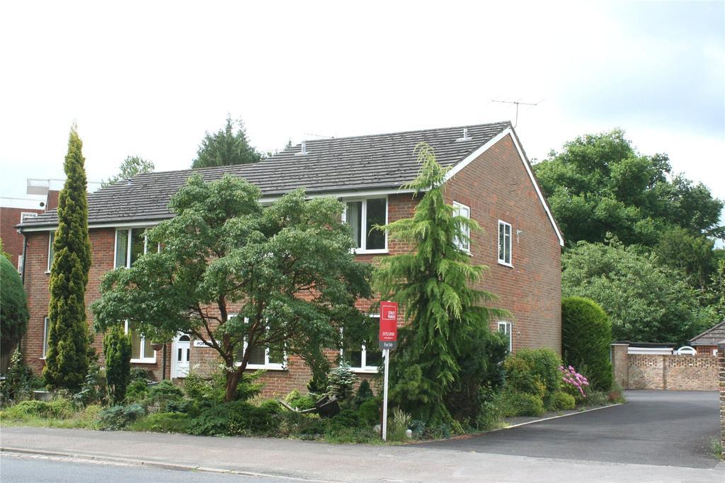 2 Bedrooms Flat for sale in Portlands, Oxford Road, Gerrards Cross, Buckinghamshire