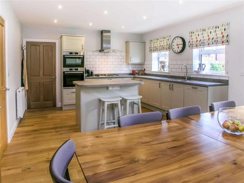 4 Bedrooms Detached House for sale in Williamsfield, Cranswick, East Yorkshire