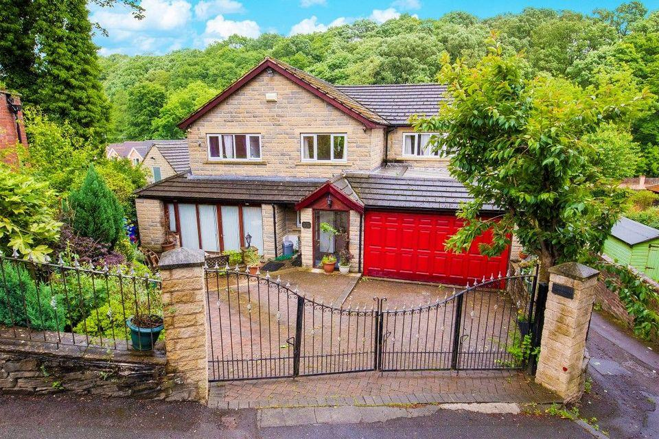 5 Bedrooms Detached House for sale in Stoney Brook, Back Lane, Totley, Sheffield S17