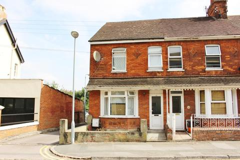 Studio to rent - Hunt Street, Swindon