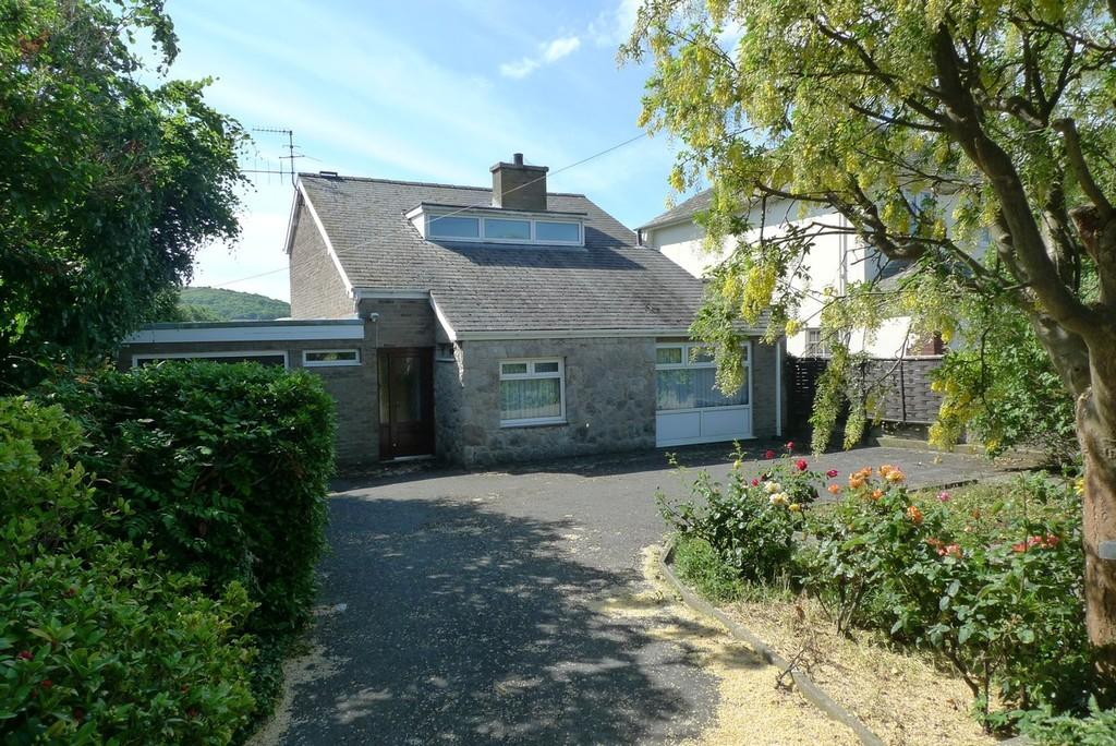 4 Bedrooms Detached House for sale in Marine Road, Penrhyn Bay