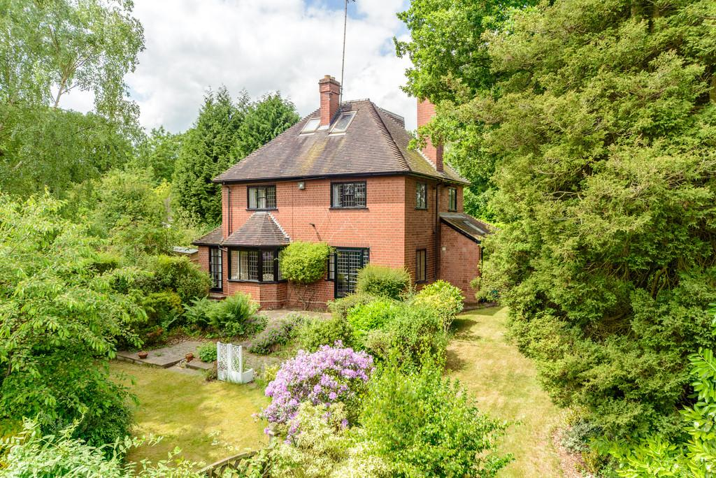 4 Bedrooms Detached House for sale in Common Lane, Kenilworth