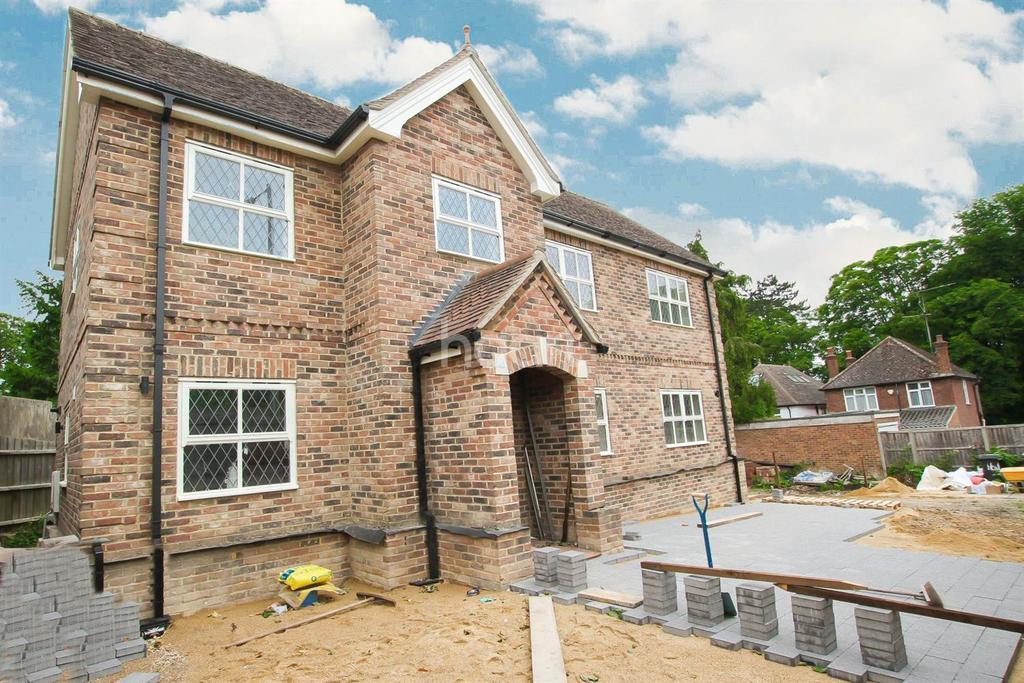 5 Bedrooms Detached House for sale in Off Old Bedford Road