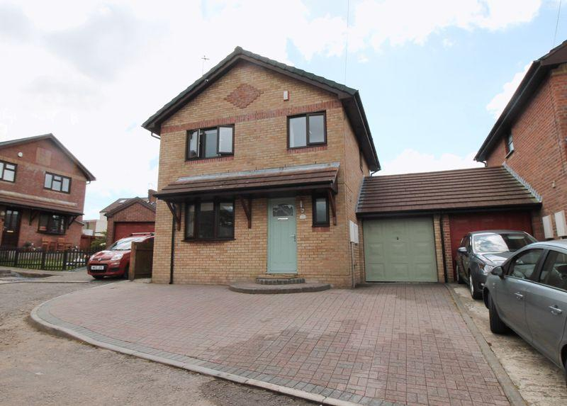 4 Bedrooms Detached House for sale in Mostyn Mews, Brynna, CF729TS