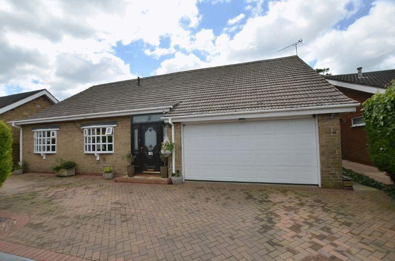 3 Bedrooms Detached Bungalow for sale in Mill Hill Drive, Bottesford, Scunthorpe