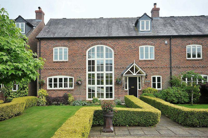 4 Bedrooms Semi Detached House for sale in The Courtyard, Swettenham