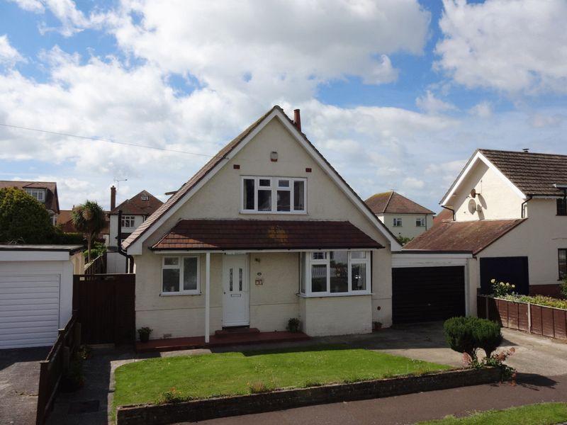 3 Bedrooms Detached Bungalow for sale in Felpham Village, West Sussex
