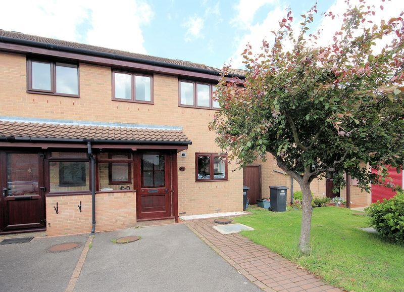 3 Bedrooms Semi Detached House for sale in Watlings Close, Shirley