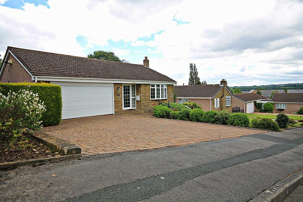 2 Bedrooms Bungalow for sale in The Rowans, Baildon