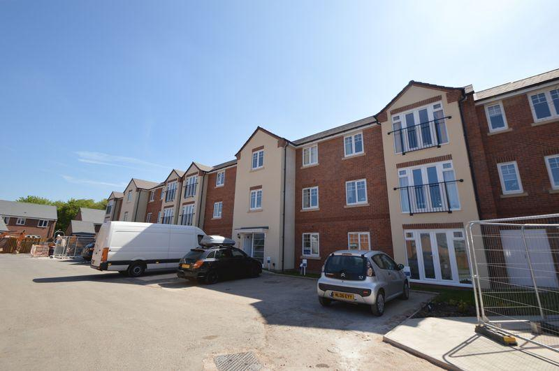 2 Bedrooms Apartment Flat for sale in Waterside Court, Doulton Brook, Wollaston
