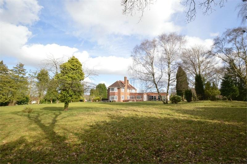 6 Bedrooms Detached House for sale in White Hill, Kinver