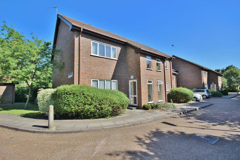 1 Bedroom Apartment Flat for sale in CHEAM VILLAGE