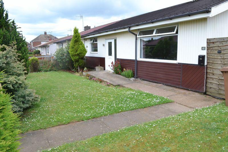 2 Bedrooms Semi Detached Bungalow for sale in Manifold Road, Scunthorpe