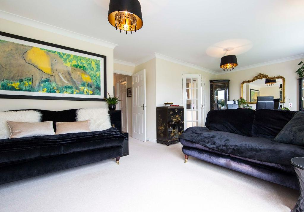 3 Bedrooms Bungalow for sale in Harris Court, Quakers Yard, CF46 5LX