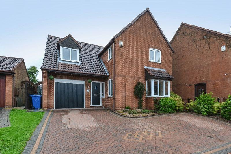 4 Bedrooms Detached House for sale in WOODBECK COURT, OAKWOOD