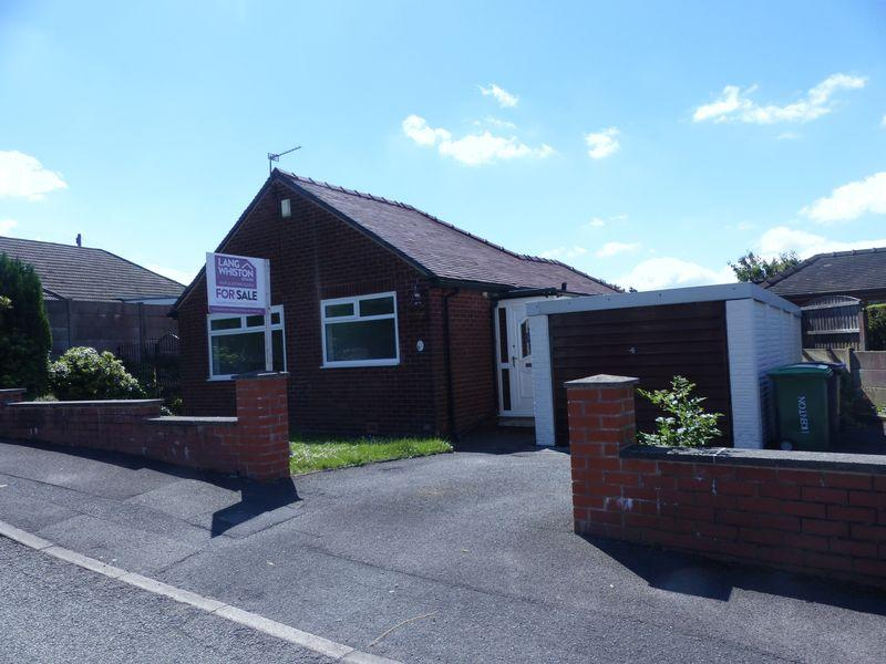 2 Bedrooms Detached Bungalow for sale in Kenton Road, Shaw