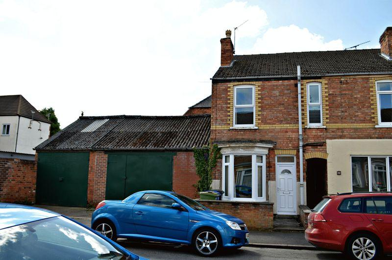 2 Bedrooms Terraced House for sale in Charles Street, Gainsborough