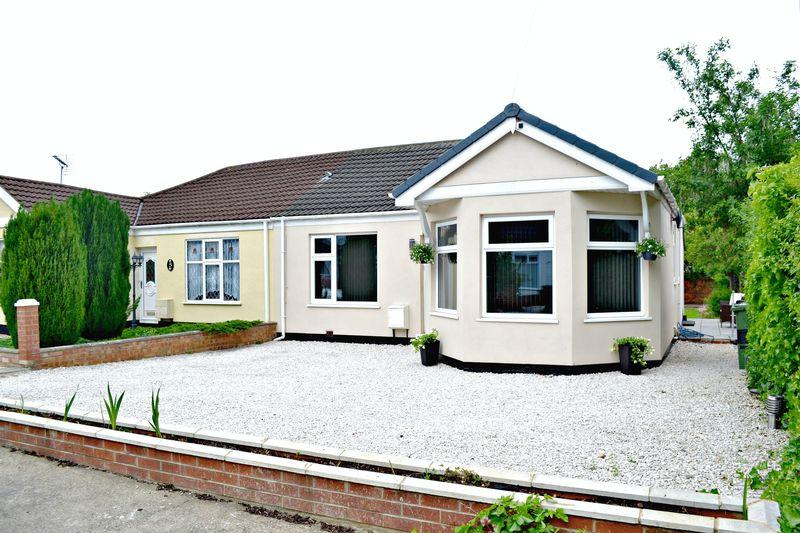 3 Bedrooms Semi Detached Bungalow for sale in Fannystone Road, Grimsby