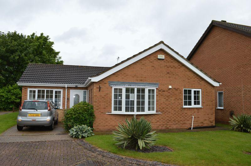 4 Bedrooms Detached Bungalow for sale in Coltsfoot Drive, Waltham