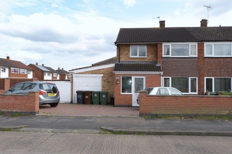 3 Bedrooms Semi Detached House for sale in Dalby Avenue, Birstall