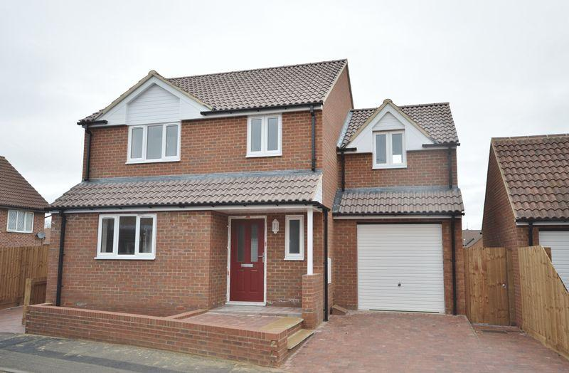 4 Bedrooms Detached House for sale in Cantle Close, Corby