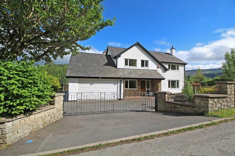 4 Bedrooms Detached House for sale in Rhewl, Llangollen