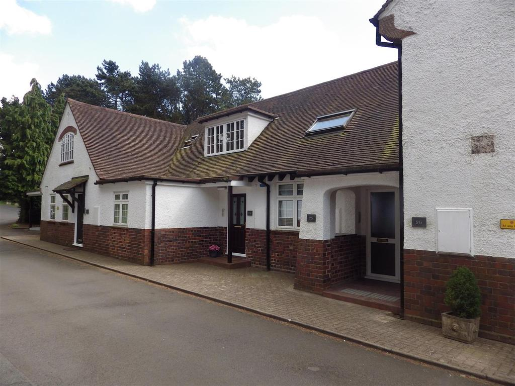 2 Bedrooms Apartment Flat for sale in Farley Lane, Romsley, Halesowen
