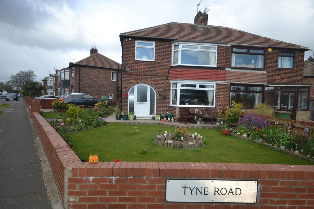 3 Bedrooms Semi Detached House for sale in Tyne Road, Redcar TS10