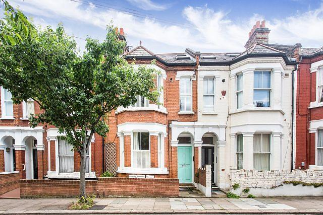 2 Bedrooms Flat for sale in Netherford Road, SW4