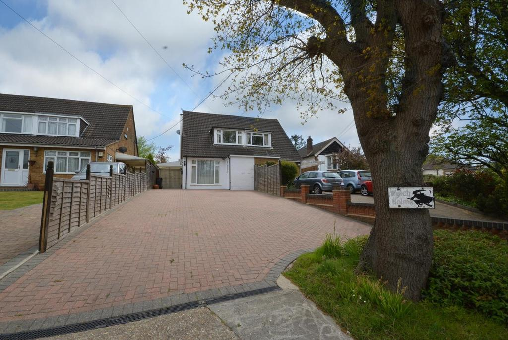 2 Bedrooms Semi Detached House for sale in Bournebridge Lane, Stapleford Abbotts, Romford, Essex, RM4